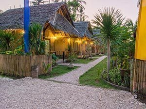 Full-Moon-Bungalows-Nusa-Penida.jpg
